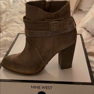 Nine West Zaza bootie Size 8
